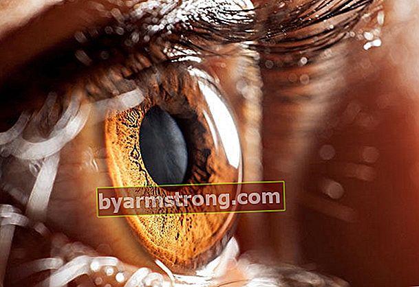 Ogni colore degli occhi ha una personalità diversa