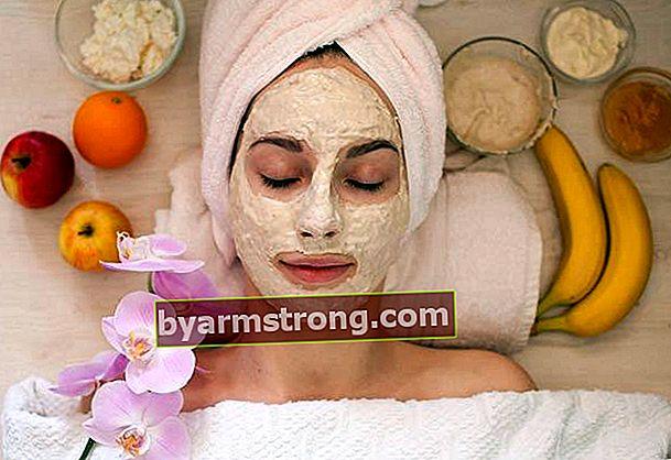 Maschere naturali che uniformano il tono della pelle