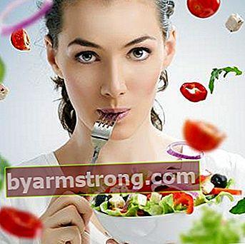 Dieta equilibrata contro la sindrome premestruale
