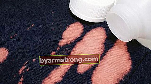 Come rimuovere le macchie di candeggina? Cosa rimuove la macchia su vestiti o moquette?
