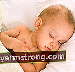 Mengapa bayi mengalami keguguran rambut?