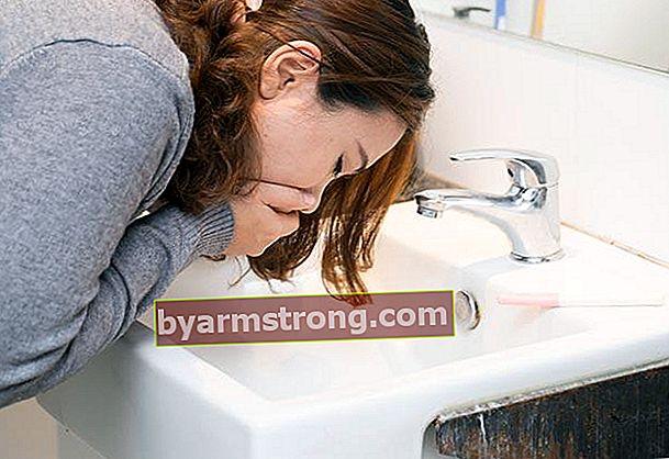 L'ansia può essere la causa della nausea persistente.