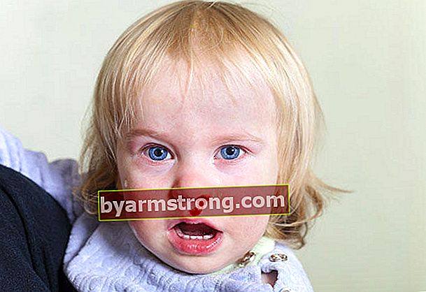 Mengapa hidung anak saya berdarah?
