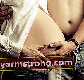 赤ちゃんは母親の子宮に何週間滞在する必要がありますか?