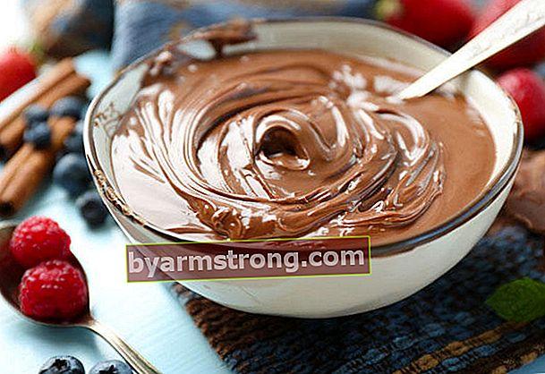 おいしいチョコレートケーキクリームレシピ