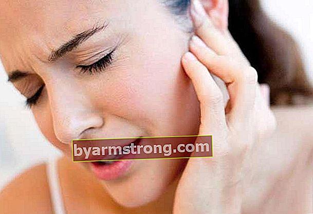 Cosa causa la pressione nell'orecchio e come passa?