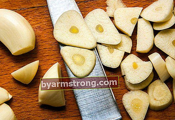 Soluzione all'aglio per l'acne