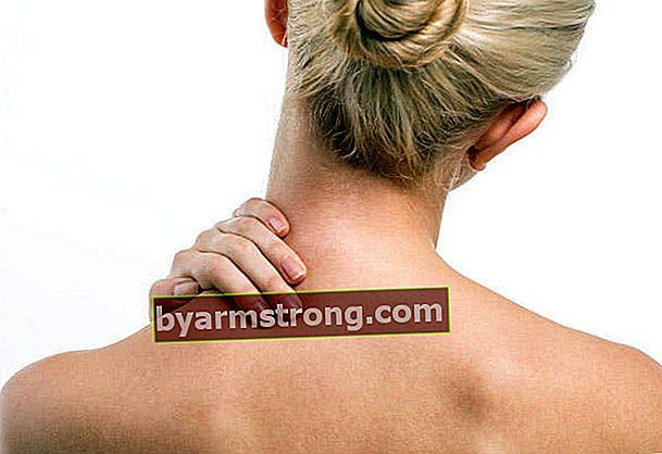 10 consigli per il dolore al collo a casa