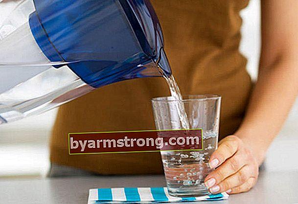 Bagaimana air alkali dibuat?