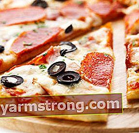 Pizza abbondante fatta in casa