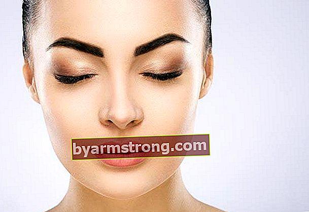 È possibile alzare le sopracciglia senza intervento chirurgico con Botox