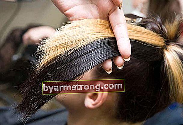 I capelli si tingono durante le mestruazioni?