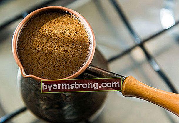 In che modo il caffè influisce sulla pelle?