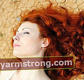 Apakah pengering rambut merusak kulit kepala?