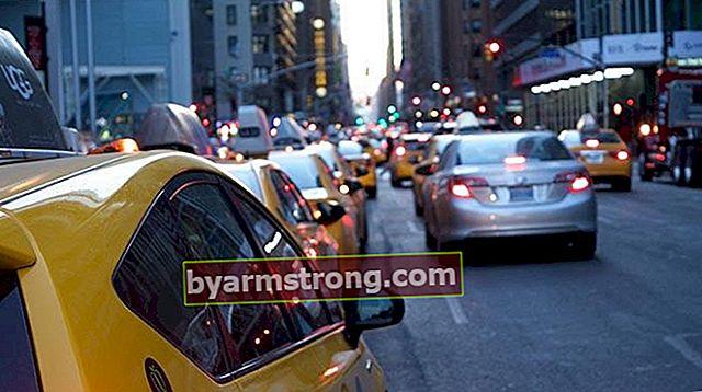 タクシー料金の計算方法は?最も簡単な方法でタクシー料金を計算する方法は?
