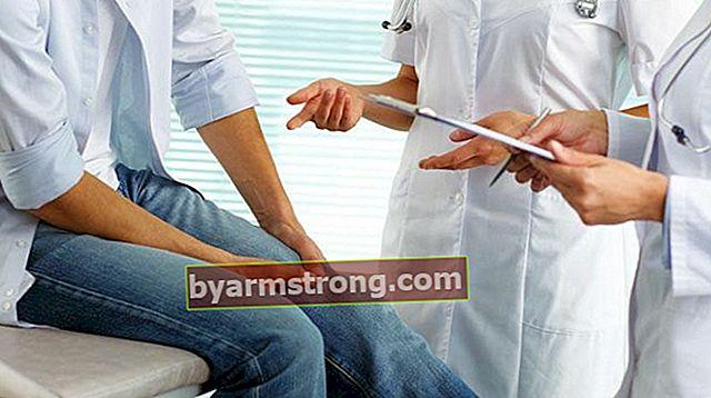 다리 통증으로 가야 할 섹션은 무엇입니까? 다리 통증에 대해 어떤 의사를 예약해야합니까?