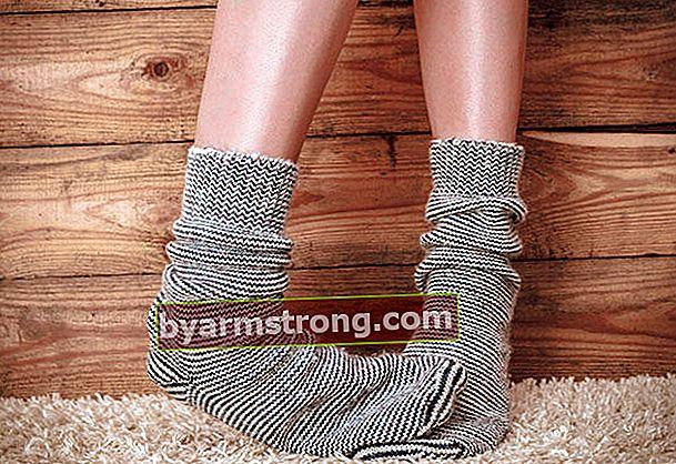 Cosa causa i piedi freddi?