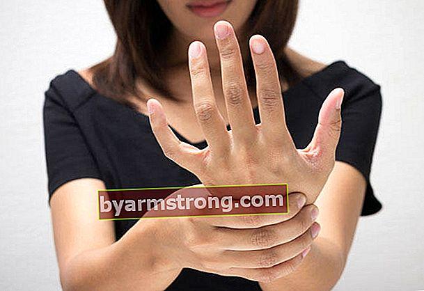しびれのために行くセクションはどれですか?手、腕、舌、唇のしびれのためにどの医師を予約する必要がありますか?
