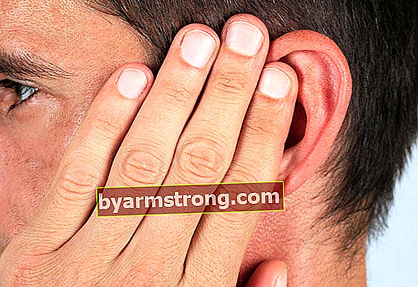 귀 막힘은 어떻게 지나가나요?