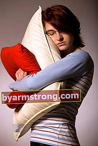 주의! 지속적인 수면 욕구는 질병의 징후 일 수 있습니다