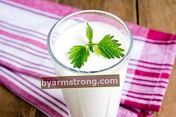 Obat yang melelehkan kontur perut: Soda buttermilk, lemon