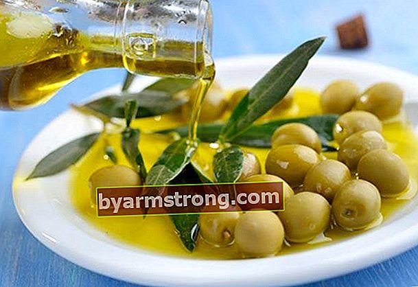 Come fare le olive verdi in casa?