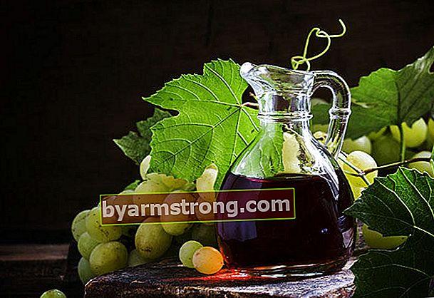 Come viene prodotto l'aceto d'uva?