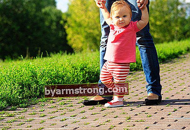 Kapan bayi Anda harus berjalan?