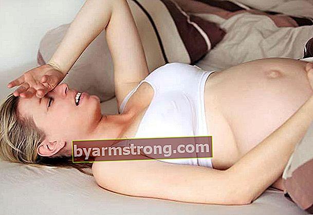 妊娠中の尿路感染症はどのように治療されますか?