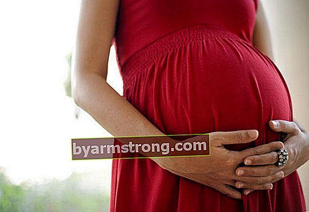 妊娠中に何を食べて避けるべきですか?